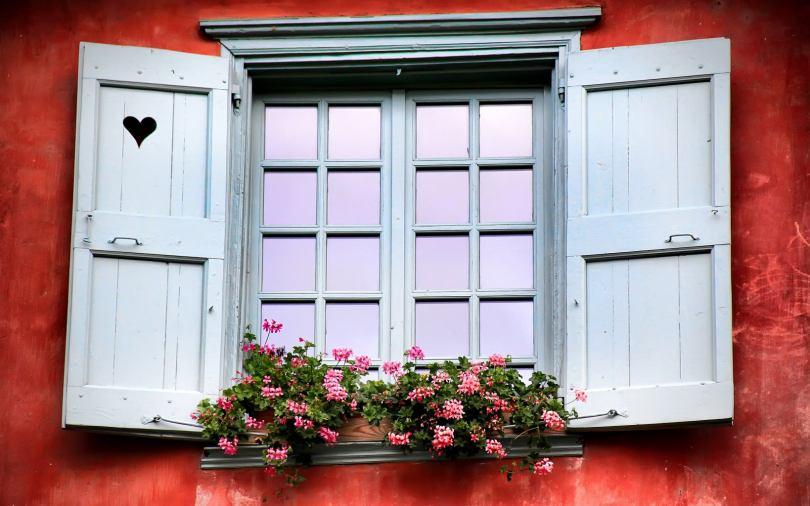 Имитация ставень на окна